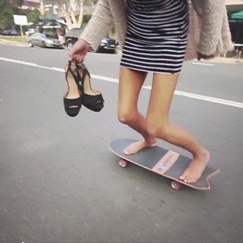 surfing-carve-surfing-skateboard-sabina