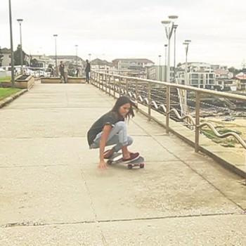 surfing-grab-rail-slope-surfing-skateboard-sabina