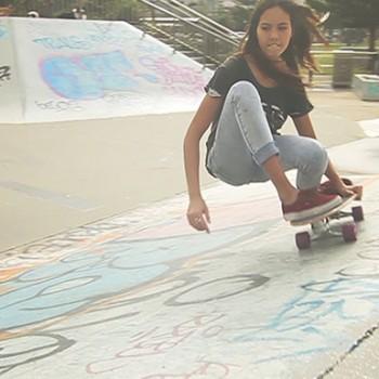 surfing-grab-rail-surfing-skateboard-sabina