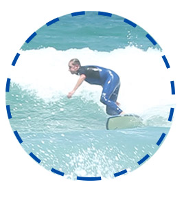 intermediate-surfer-bottom-turn